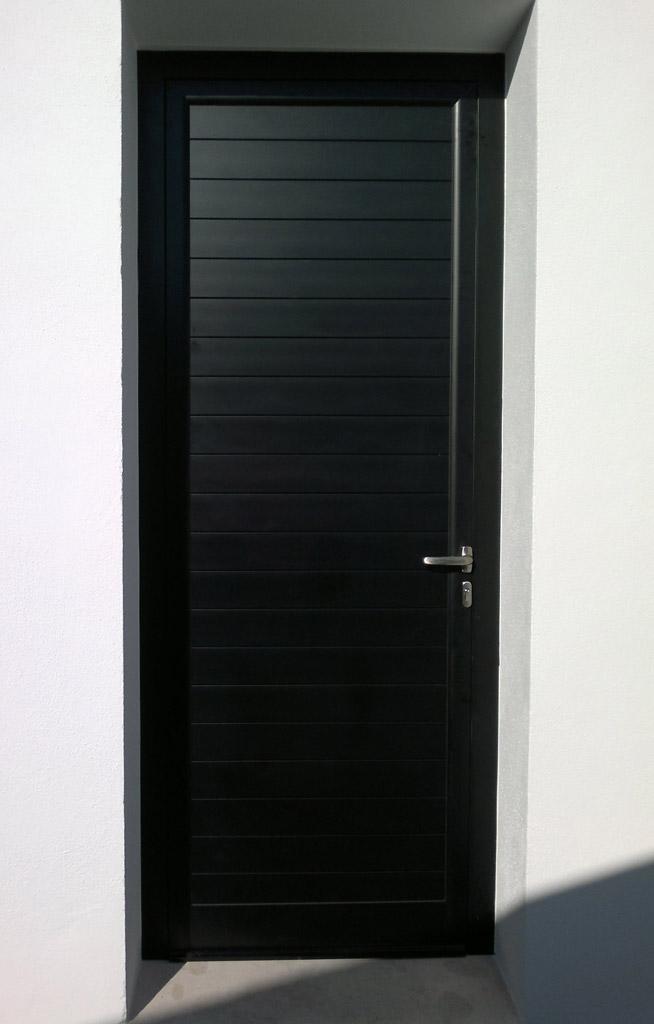Fabricamos puertas de entrada a medida en maderas de iroko - Puertas de entrada ...